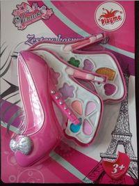Zestaw kosmetyków dla lalki na blistrze bucik 2 części