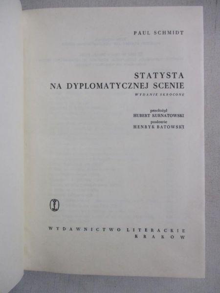 Statysta na dyplomatycznej scenie