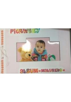 Pierwszy album maluszka
